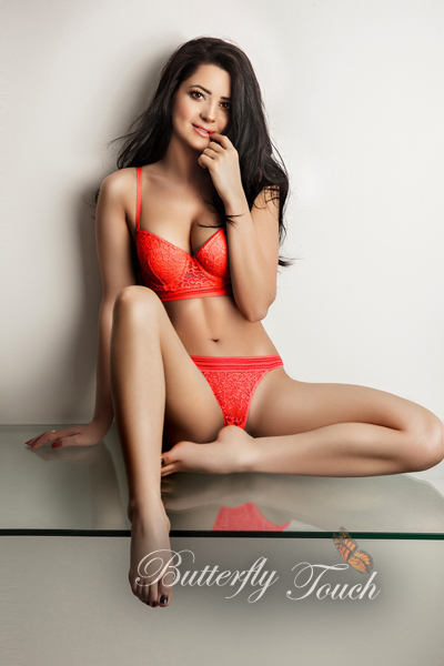 antonia-sexy-london-brunette-escort-4