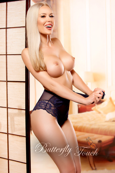eva-breathtaking-blonde-london-escort-3