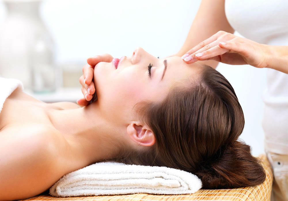 facial-treatments-background