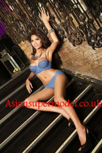 active_ladyboy_escorts_ts_tata-Escorts London