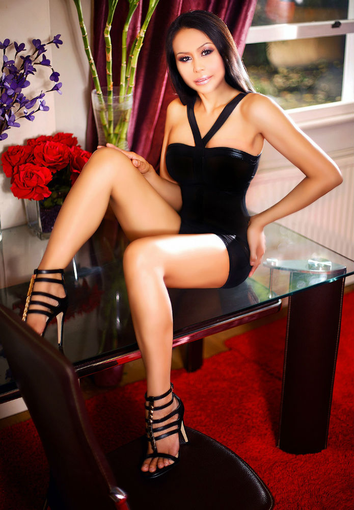 Liverpool Street London FEMALE ASIAN massage Thai massage E1